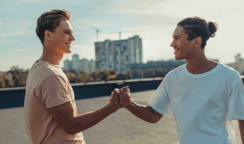 9 Cara Jitu Merubah Lawan Menjadi Kawan
